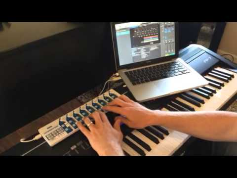 Oceans keyboard cover with Mainstage (Hillsong United) - YouTube