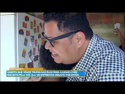 Anderson Freire faz surpresa para vendedora de trufas