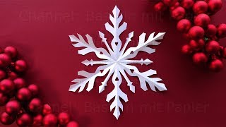 Schneeflocken basteln mit Papier - Weihnachtsdeko selber machen - Bastelideen Weihnachten