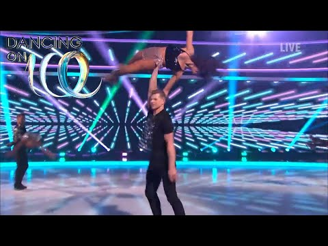 The Celebrities Find Somebody to Love in a Gorgeous Group Performance! | Dancing On Ice 2018