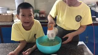 Cách làm bánh macarons vị matcha và vị cam /bin vlog
