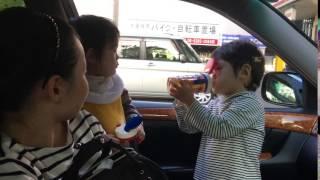 【家族】車の中でお茶を飲む将幸と宙幸 【4K】 【2016/10/27】 【koumei...