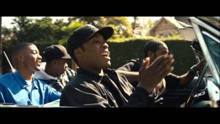 Download Lagu Straight Outta Compton Scene Dr Dre ft Snoop Dogg - Nothin But a G Thang MP3