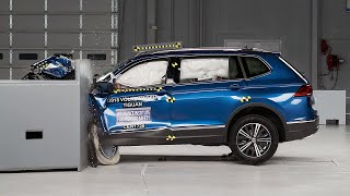 2018 Volkswagen Tiguan driver-side small overlap IIHS crash test