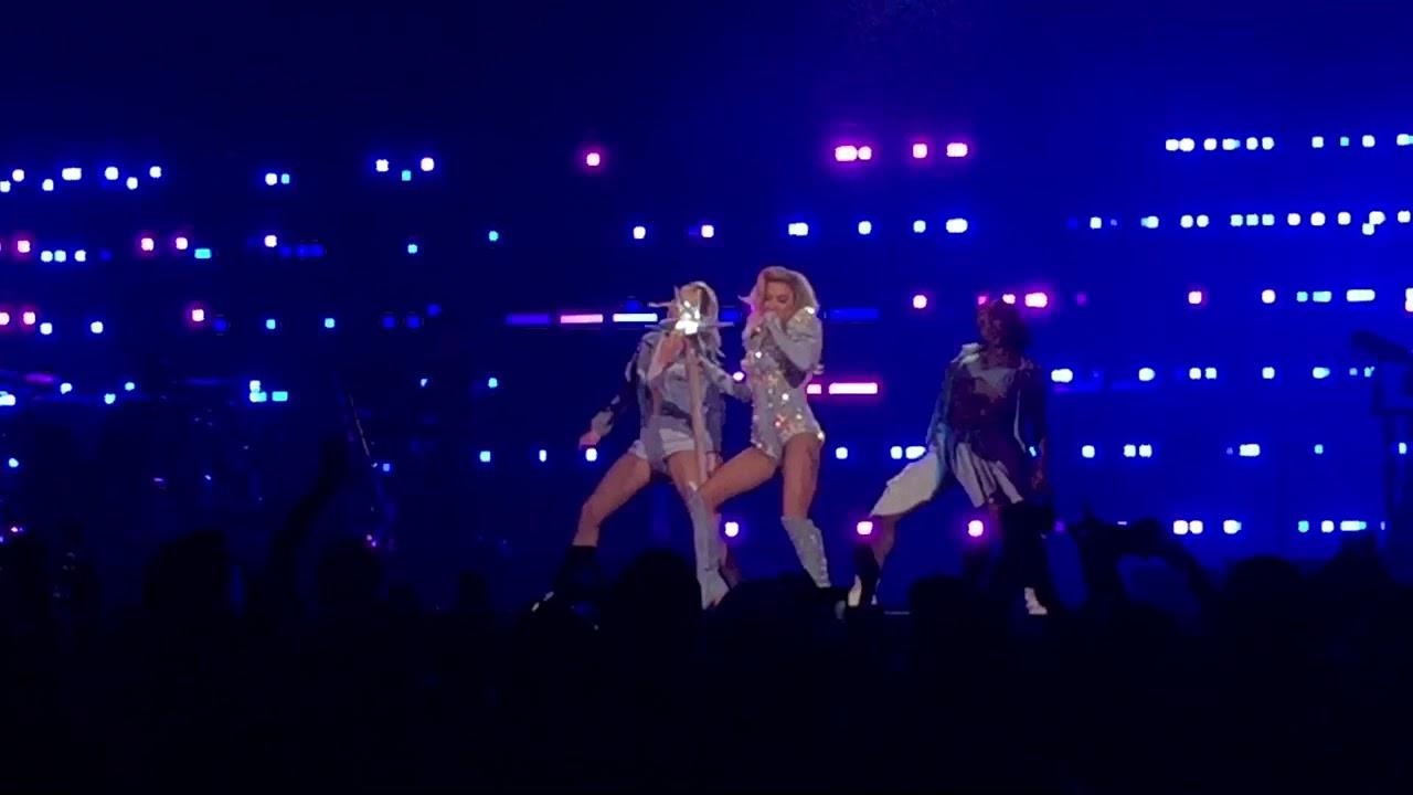 Los Angeles Joanne Tour