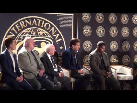 Herschel Walker & Lou Ferrigno 2017 International Sports Hall of Fame (Powered by Quest Nutrition)