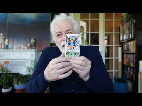 Why can't I find a partner? Tarot Reading video by Alejandro Jodorowsky for Stéphanie