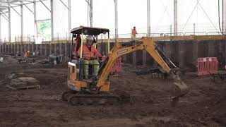 How do you power an excavator without fossil fuels?