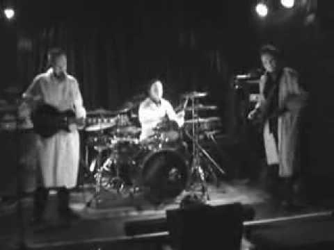 Dr Slaggleberry & ZU live at the Wheat sheaf in Oxford late 2009