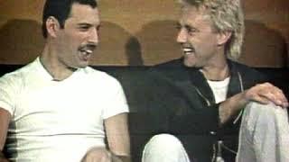 Freddie Mercury & Roger Taylor ~ 2 hysterical Queens👑