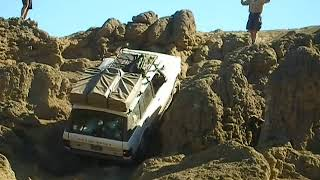 NWOL_Range Rover LWB on Funny Rocks   Manastash, Central WA