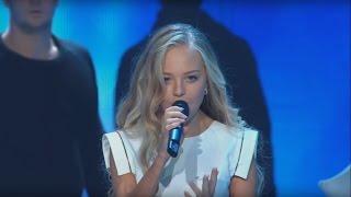 Анастасия Петрик и Филипп Киркоров - Прохожие (Рождественская Песенка Года 2016) HD