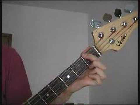 Walking on the Moon -The Police Bass Guitar beginner