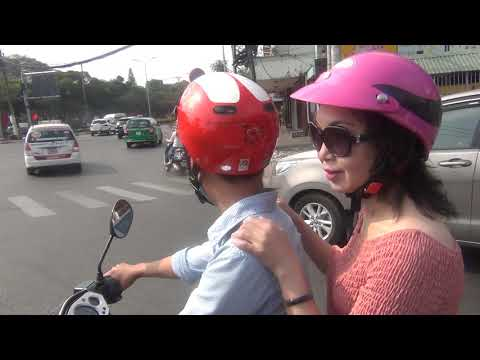 Trua 30 Tet 2018 tai Saigon Part 1