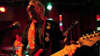 Allan Tannenbaum and The Rolling Bones play (I Can't Get No) Satisfaction