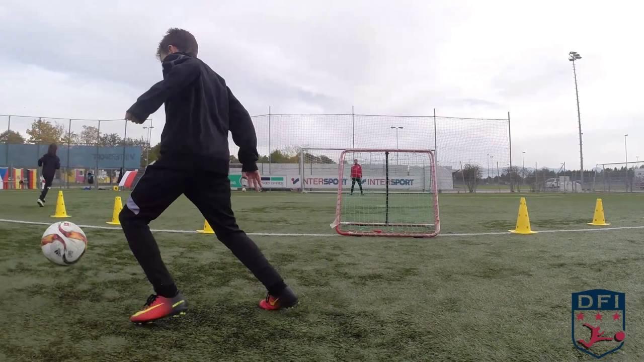 Torschuss Training Am Deutschen Fussball Internat