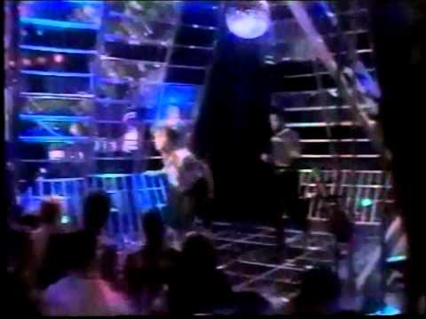 Madonna - Holiday (Top Of The Pops 1983)
