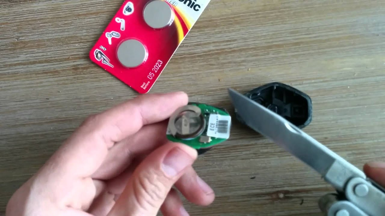 bmw 3 series key fob battery replacement diy 320i youtube. Black Bedroom Furniture Sets. Home Design Ideas