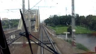 [HD] Сходня - Москва из кабины электровоза ЧС200(Небольшая экскурсия по главному ходу Октябрькой железной дороги из кабины пассажирского электровоза ЧС200,..., 2013-06-26T18:25:07.000Z)