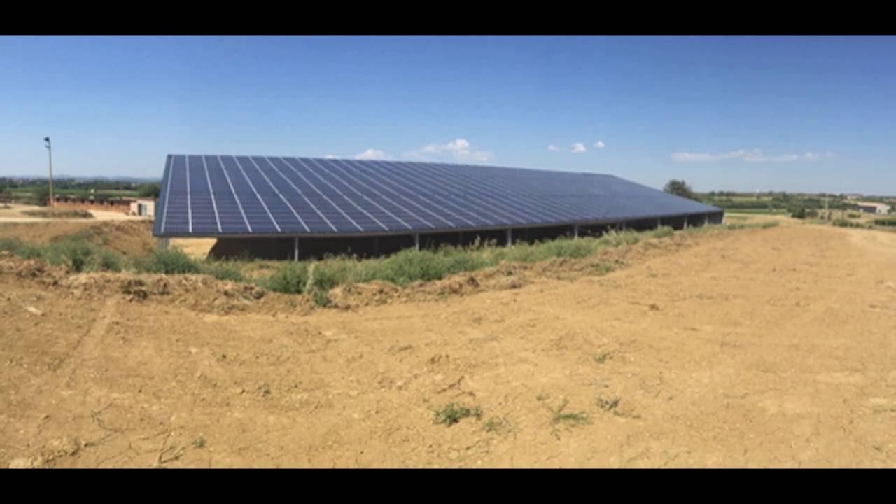 Hangar photovoltaique agricole dans l 39 h rault man ge 1763m youtube - Hangar photovoltaique agricole ...