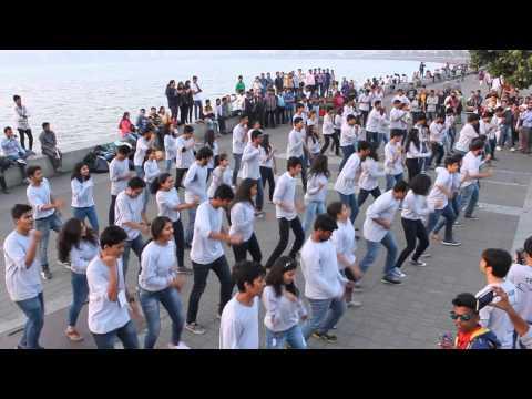 Flash Mob at Marine Lines