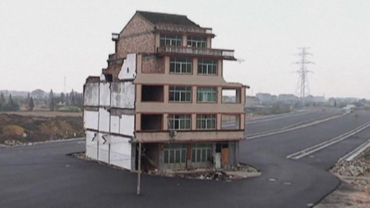 Motorway built around house in China - Parag Sankhe