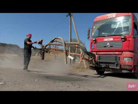 Дружковка на ладонях плюс: В поселках Сурово и Райское провели ямочный ремонт части дорог по инициативе местных жителей
