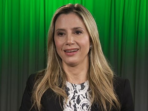 Mira Sorvino on Being a Working Mom