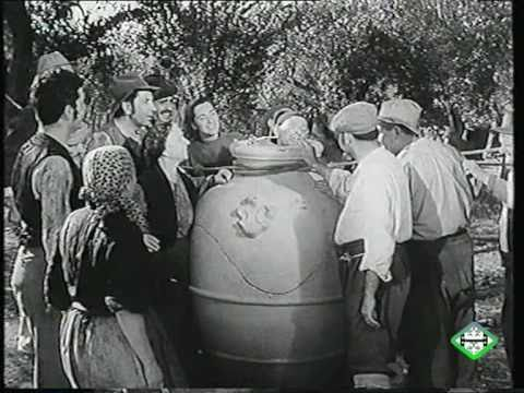 the jar luigi pirandello Adapted loosely from stories by luigi pirandello  the jar becomes a representation of don lollo's hold over the villagers, .