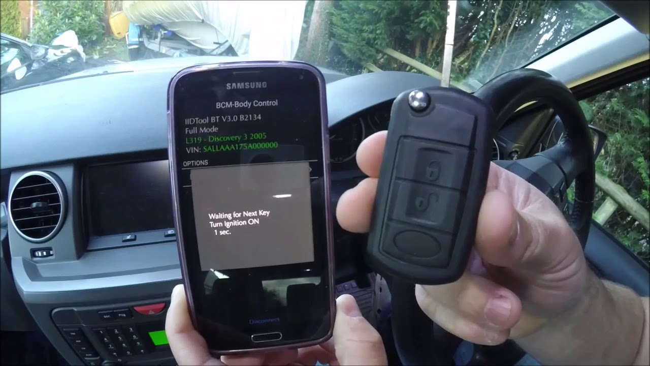 Land Rover Discovery 3 LR3 Key Programming with the IID Tool