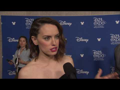 Download Youtube: Star Wars: The Last Jedi: Daisy Ridley D23 Expo Interview