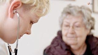 Dem Alter würdevoll begegnen: Die #Altenpflege-Ausbildung | Ludwig Fresenius Schulen