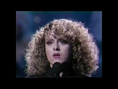"Bernadette Peters ""Other Lady"" on Carson"