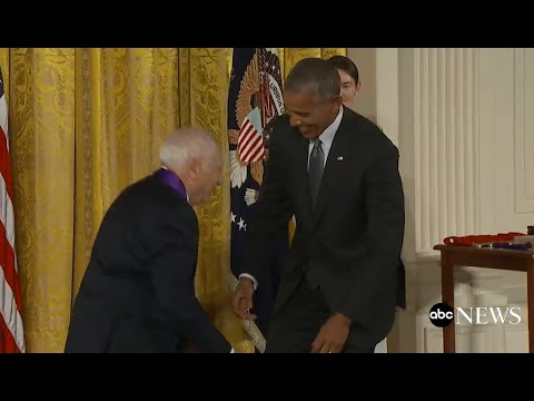 Mel Brooks Pretends to Pants Obama