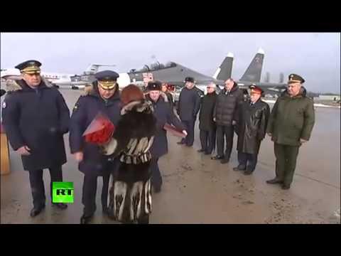 Жене погибшего в Сирии пилота Олега Пешкова вручена его звезда Героя России