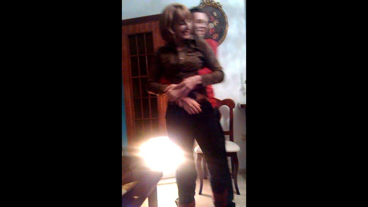 Yo y mi madre bailando wajaa doovi for Musica clasica para trabajar en oficina