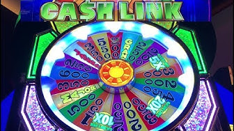 I HIT MAX BET on WHEEL OF FORTUNE CASH LINK AND IT PAID OFF! LIVE PLAY FROM LAS VEGAS