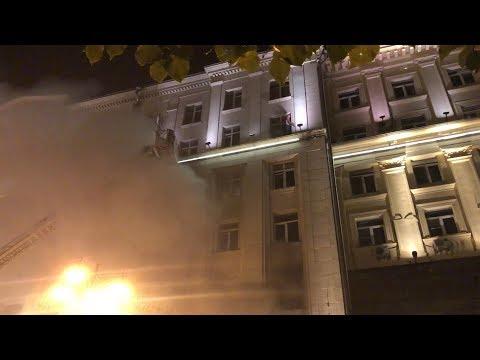 Пожар на Тверской, спасение девушки из окна / 4 сентября 2018