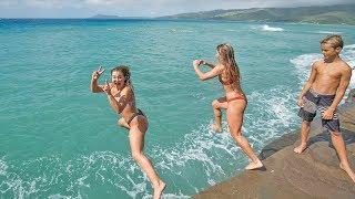 HAWAII: TEACHING GIRLS HOW TO FRONT FLIP!!