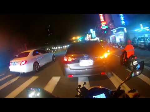來阿 要比誰比較三寶是不是 還沒綠燈遇紅燈幹嘛停 該死重機上國道說汽車