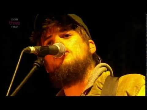 *NEW SONG* Mumford & Sons - Below My Feet (Live)