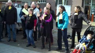 Leve de Volksopera: Het koor in Ondiep! De hooipoort - Va