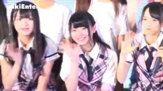俏麗的制服風舞台裝,活力四射的舞步,以及堆滿臉的燦爛笑容, 日本女子...