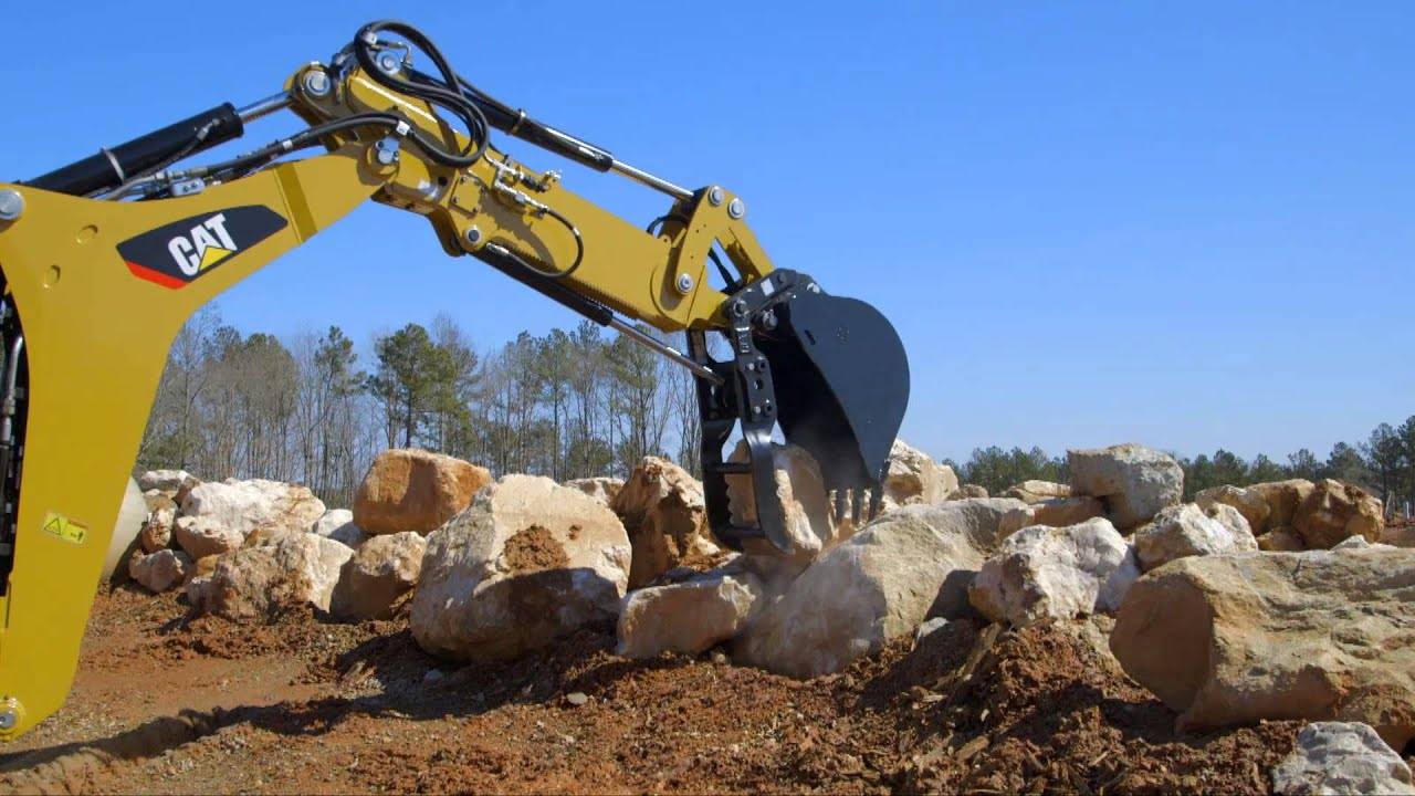 Adjusting Auxiliary Flow on Cat® F2 Backhoe Loaders