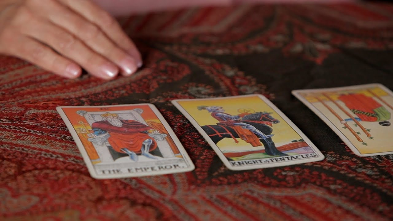 How to Read Reversed Cards   Tarot Cards