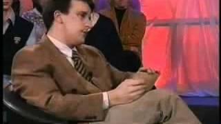 Erik Hartman se smeje u emisiji