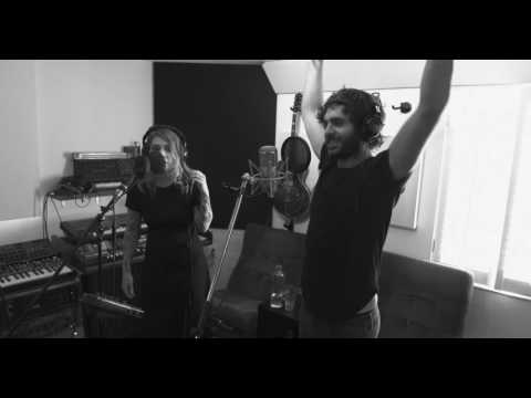 Alex Nevsky et Coeur de Pirate [En Studio]