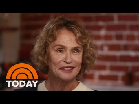 Supermodel Lauren Hutton Opens Up About Her 'Unconventional' Beauty | TODAY
