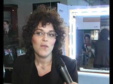 Miky Puran la lansarea fondului de ten JOVIALE Ivatherm