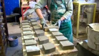Кирпич, как немцы его изготавливают вручную фигурный кирпич(Кирпич и как его изготавливают вручную. По немецки кирпич называется Mauerziegel, в принципе кирпич может изгото..., 2011-06-24T13:42:15.000Z)